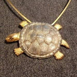 Jewelry - Gold and silver color turtle choker.